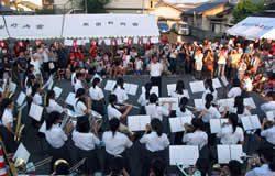 竜操中学校吹奏楽の演奏