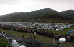 駐車場もいっぱいです