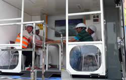 地震体験車試乗の写真