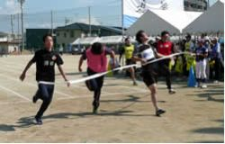 男子21歳未満(100m走)
