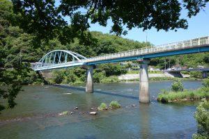 八幡橋と旭川