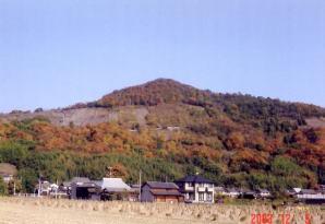 """なだらかな""""備前富士""""の芥子山"""
