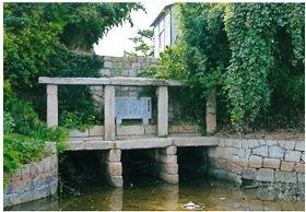 名残りの石造り樋門