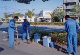 地域企業の清掃活動