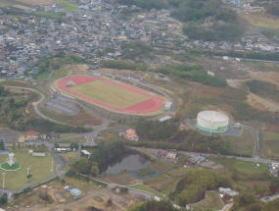 神崎山公園陸上競技場(平成17年の国体サッカー会場です)