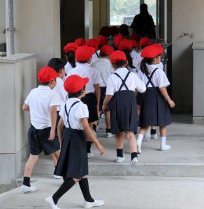 小学校低学年の避難