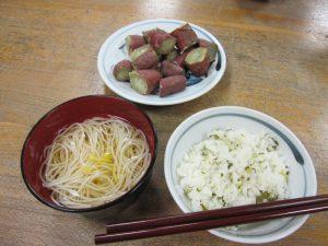 提供された食品を使った料理