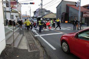 曹源寺口交差点での街頭指導