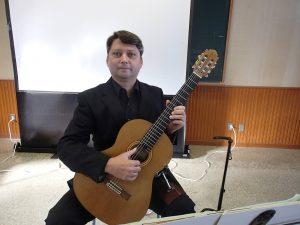 ダミアン クウェチェックさんのギター演奏