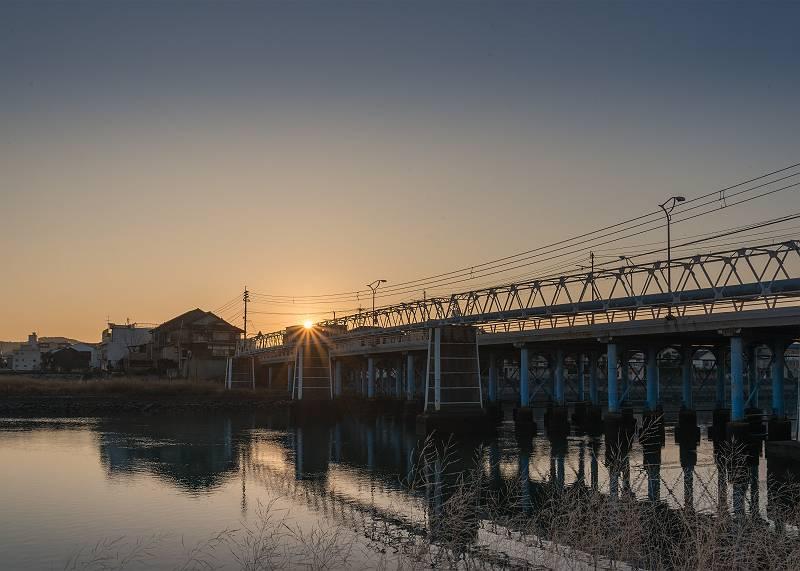 初日の出/旭川の京橋が架け替え工事(大正6年・1917)から100年を迎えた
